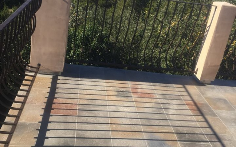 Life Deck AL system, 20 series stain, tile pattern
