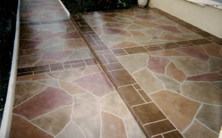 Residential Driveway with Life Specialty Coatings Flagstone Finish