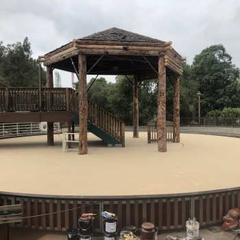 LD2000-waterproofing-system-life-deck-theme-parks-Aliphatic-Urethane-top-coat-scaled