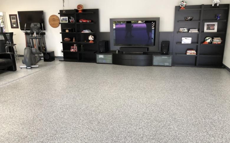 epoxy-garage-coatings-100_-Acrylic-chip-system-Polyurea-man-cave2