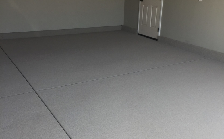 epoxy-quartz-system-in-garage1