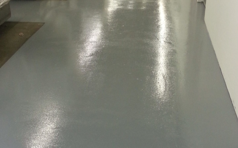 manufacturing-facility-epoxy-flooring-100_-solids-epoxy-CRU-sealer-industrial-