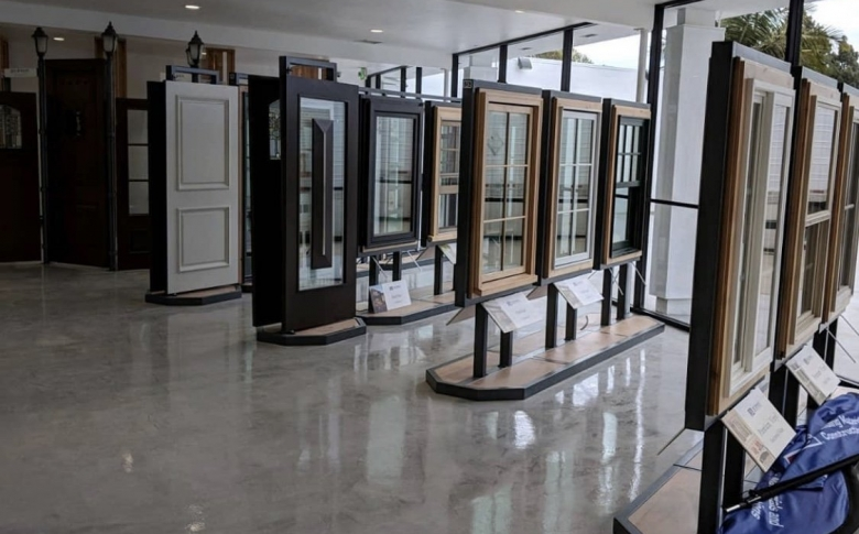 Life-Deck-Metallic-Epoxy-Retail-Showroom